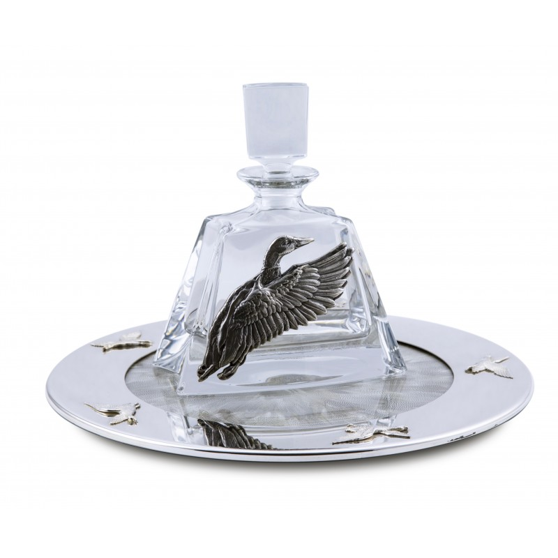Tray with duck feathers